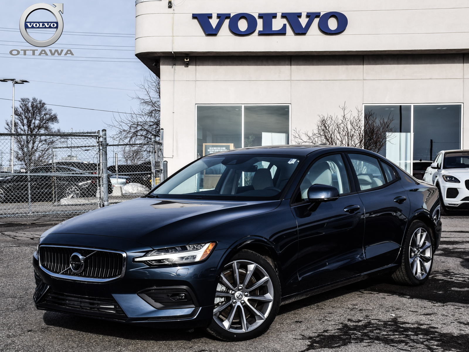Certified Pre-Owned 2019 Volvo S60 T6 AWD Momentum