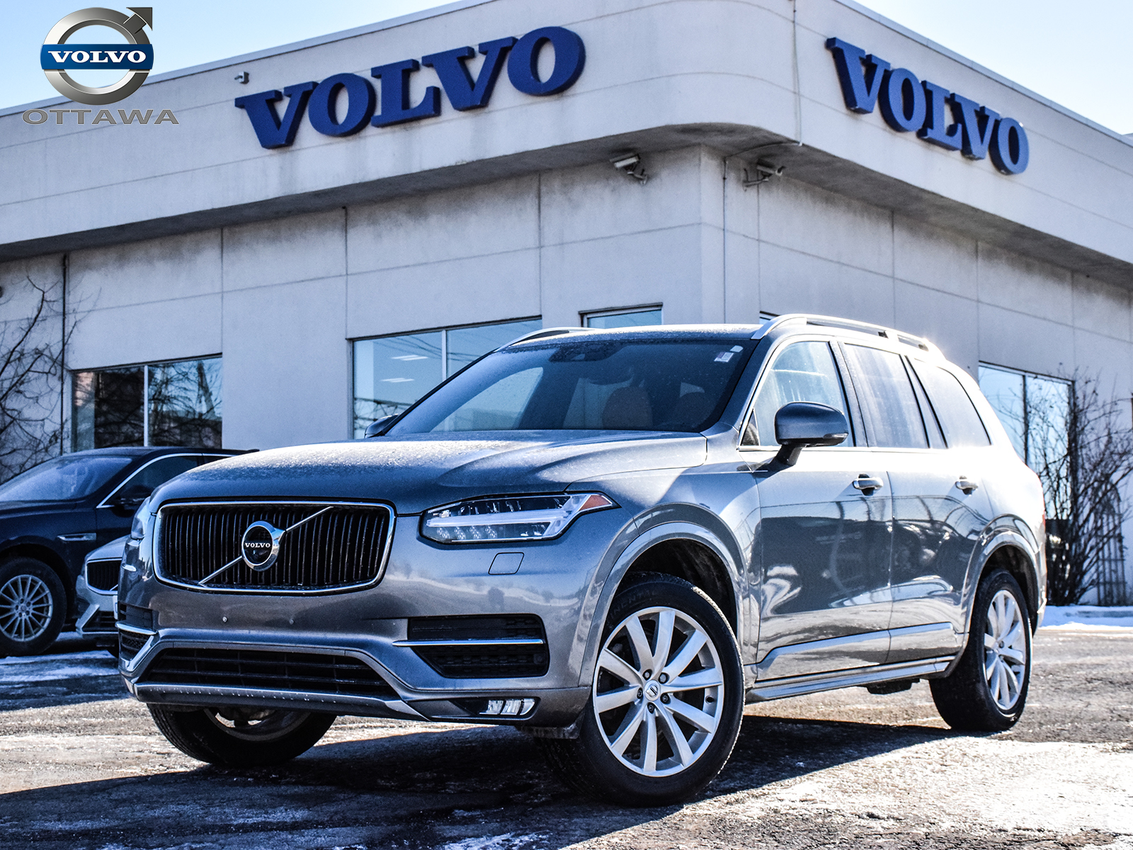Pre-Owned 2018 Volvo XC90 T5 AWD Momentum