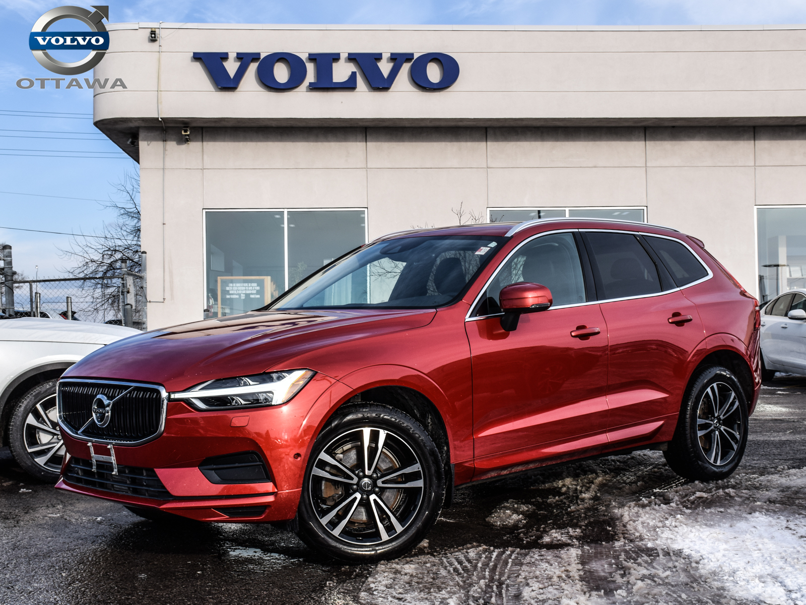 Pre-Owned 2018 Volvo XC60 T6 AWD Momentum