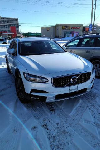 Pre-Owned 2018 Volvo V90 Cross Country T5 AWD